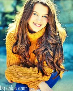 Hey I'm Chloe East. I'm 14 years old and single. My sis is Karina East. I'm a dancer and a ballerina. Cute Kids Photography, Photography Poses, Pretty 14 Year Old, Joanna Garcia, Model Headshots, 14 Year Old Girl, Dance Moms, Celebs, Celebrities
