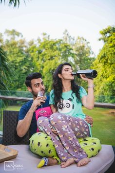 The Best Pre Wedding Photography Ideas For 2019 Couples - Wedding photoshoot - Jeanne Lopez Pre Wedding Poses, Pre Wedding Photoshoot, Wedding Couples, Pre Wedding Shoot Ideas, Prewedding Photoshoot Ideas, Wedding Bride, Indian Wedding Couple Photography, Couple Photography Poses, Photography Ideas