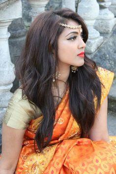 Saree Design: Mayuram House of Sarees & Vithya Make Up London Beautiful Saree, Beautiful Bride, Beautiful Ladies, Vithya Hair And Makeup, World's Cutest Girl, Saree Photoshoot, Elegant Saree, India Beauty, Saree Collection