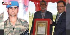 DEAŞ şehit etmişti... Acılı baba konuştu: Terör örgütü DEAŞ'ın Suriye sınırında kaçırarak şehit ettiği Iğdırlı er Sefter Taş'ın babası Aydın Taş konuştu...