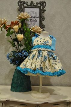 Site is in spanish, but gorgeous dresses for sewing inspiration!