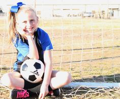 Youth Individual Soccer Poses for Photography Soccer Photography, Children Photography, Photography Poses, Soccer Pictures, Poses For Pictures, Soccer Poses, Soccer Girls, Sports Pics, Picture Ideas