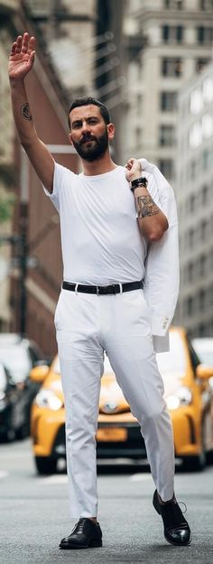 7e84bb33c361 20 Cool Ways To Style The Basic White T-shirt For Men All White Outfit