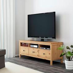 HEMNES Mobile TV, marrone chiaro, 148x47x57 cm - IKEA IT Tv Ikea, Ikea Tv Table, Hemnes Tv Bank, Tv Banco, Cool Furniture, Living Room Furniture, Living Rooms, Tv Lighting, Large Tv