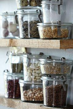 bocaux en verre comment decorer la cuisine moderne avec les bocaux en verre pas cher