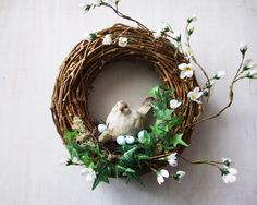 pl - Lilly is Love Easter Flower Arrangements, Floral Arrangements, Easter Wreaths, Holiday Wreaths, Diy Wreath, Grapevine Wreath, Summer Wreath, Spring Crafts, Easter Crafts