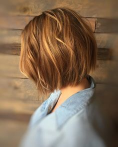 """Tousled, textured, with a tad bit of grunge is my fav. #hairbyedwin #kuthausclaremont #bobs #texturedbobs #tousledwaves #wellalife #wella #wellahair…"""
