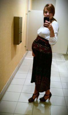 I'd like to make this mama's maternity style, my own non-maternity style!!