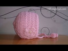 Video not in english Crochet Baby Bonnet, Crochet Baby Dress Pattern, Baby Hat Knitting Pattern, Crochet Baby Cardigan, Baby Hat Patterns, Baby Girl Crochet, Baby Hats Knitting, Crochet Patterns, Beanie Pattern