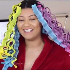 """She tried """"wave formers"""" on her natural hair and the result is so bomb ? She tried """"wave formers"""" on her natural hair and the result is so bomb ? Curly Hair Styles, Damp Hair Styles, Natural Hair Styles, Easy Hairstyles, Girl Hairstyles, Curl Formers, Pelo Afro, Natural Hair Inspiration, Hair Videos"""