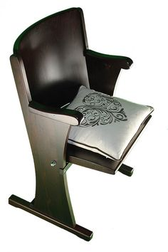 Retro seat - chair from the theater in 1940 Brand: Thonet FREE stylish pillow Cinema Seats, Retro, Furniture, Theater, Chairs, Stylish, Home Decor, Free, Teatro