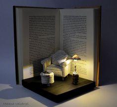 Diorama Book Paper Diorama with light Great Comfort Diorama Buch-Papier-Diorama mit Licht großer Komfort. The post Diorama Book Paper Diorama with light Great Comfort appeared first on Paper Ideas. Altered Books, Altered Art, Altered Tins, Book Crafts, Paper Crafts, Diy Love, Book Sculpture, Paper Sculptures, Miniature Rooms