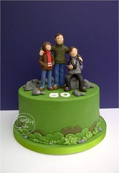 outdoorsy family cake