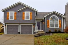 PENDING SALE NEW 2 STORY LISTING IN BENSON PLACE! Priced at ONLY $205,000!