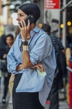 Blaues Button-Down-Hemd Em (Daily fashion inspiration) Blaues Button-Down-Hemd Em (Daily fashion inspiration) Daily Fashion, Look Fashion, Urban Fashion, Fashion Mode, 80s Fashion, Mode Outfits, Fashion Outfits, Womens Fashion, Looks Street Style