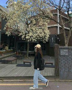Korean Aesthetic, Aesthetic Photo, Aesthetic Girl, Aesthetic Pictures, Aesthetic Clothes, Aesthetic Fashion, Korean Girl Photo, Korean Girl Fashion, Ulzzang Fashion