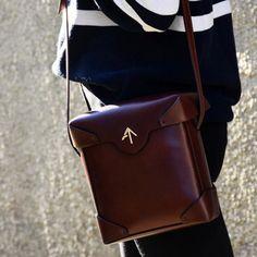 Manu Atelier, simple box bag.