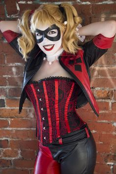 Harley Quinn cosplay with hand-made corset! ([Butterick 4254]  altered thrift store finds) #sewing #crafts #handmade #quilting #fabric #vintage #DIY #craft #knitting