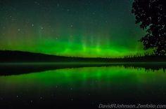WOW! Northern Lights early this morning from Grand Marais, Minnesota. Photo: David Johnson. #Aurora #NorthernLights via Twitter @AlistairReign & AlistairReignBlog.com