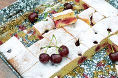 Ötperces vajas-meggyes piskóta - Rupáner-konyha Sweet Bread, Kids Meals, Cupcake, Dairy, Sweets, Cheese, Cooking, Recipes, Pound Cakes