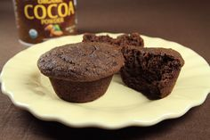 Gluten Free Coconut Flour Cocoa Banana Muffins Prepared by Sarah Shilhavy, Photo by Jeremiah Shilhavy Coconut flour muffins don't… Coconut Flour Muffins, Baking With Coconut Flour, Coconut Flour Recipes, Almond Recipes, Coconut Oil, Gluten Free Muffins, Gluten Free Baking, Gluten Free Desserts, Keto Desserts