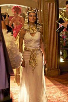 Kleopatra Kostüm selber machen | Kostüm Idee zu Karneval, Halloween & Fasching