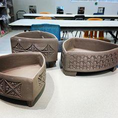 Pottery Handbuilding, Raku Pottery, Slab Pottery, Pottery Bowls, Pottery Art, Ceramic Plant Pots, Ceramic Clay, Ceramic Bowls, Ceramic Techniques