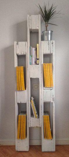 #designpalette Bibliothèque en bois de palette #montpellier