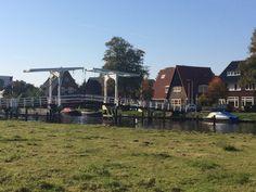 Historiserend bruggetje uit 2015 vervangt de kwakelbrug over het Heemsteeds kanaal.