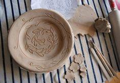 В очікуванні весни...ось-ось розквітне тарілочка...#Ukraine #Краматорськ #clay #ceramics #ceramicstudio #flowers #handmade #ceramic #art…