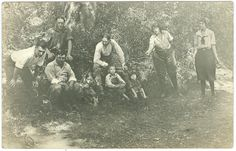 Women Enjoying a Game of Horseshoes Henry by FamilyTreeAntiques, $48.00