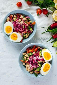 Turkish White Bean Salad is super healthy and easy to make with simple ingredients. Packed with flavors and protein, it makes a great vegetarian dish.