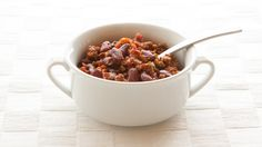 Chili is the perfect one-dish dinner for weeknights, potlucks, and those all-important game days. Great for lunches, too!Perfectly balance your plate: Serve with 1 C ml) mixed greens or steamed veggies and 1 Tbsp ml) Epicure salad dressing. One Dish Dinners, One Pot Meals, Easy Meals, Freezer Meals, Epicure Recipes, Chili Recipes, Lunch Box Recipes, Dog Food Recipes, Free Recipes