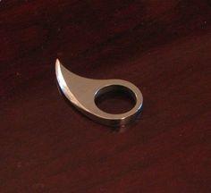 Snark ring for self-defense.
