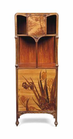A LOUIS MAJORELLE (1859-1926) ART NOUVEAU WALNUT, MAHOGANY AND MARQUETRY ETAGERE -  CIRCA 1900