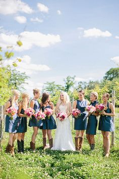 LOVE! Having a rustic or country wedding? Put your maids in cowboy boots! @kateandcollc