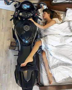 New cars India Yamaha R6, Dirt Bike Girl, Motorcycle Couple, Motorcycle Bike, Motorcycle Outfit, Lady Biker, Biker Girl, Girl Motorcyclist, 1200 Gs Adventure