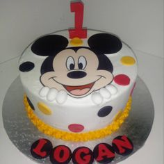 #mickeymouse #one #1 #polkadots #cake #dlish Birthday Cakes, Unisex, Desserts, Food, Meal, Anniversary Cakes, Deserts, Essen, Hoods