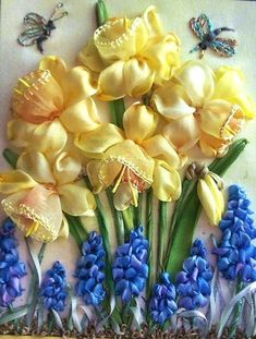 Daffodils and Grape Hyacinths Beautiful ribbon embroidery (Inspiration) floral-ribbon-embroidery Ribbon Embroidery Tutorial, Silk Ribbon Embroidery, Beaded Embroidery, Cross Stitch Embroidery, Embroidery Patterns, Hand Embroidery, Japanese Embroidery, Embroidery Tattoo, Wedding Embroidery