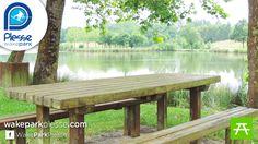 Aires de picnic autour de l'étang de Buhel sur le téléski nautique de Plessé