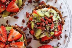 Super-Healthy Vegan Berry Fruit Tarts with Chia Seeds