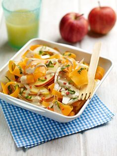 Crunchy Carrot And Apple Salad With Cashew Dressing. How is your week going so far? We are busy here with days out and dog walkies. Salads To Go, 15 Minute Meals, Apple Salad, Home Baking, Yummy Eats, Carrots, Vegan Recipes, Healthy Eating, Cashew Butter