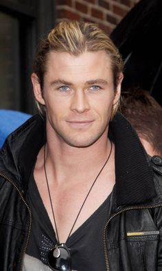 Chris Hemsworth could play the character Chris Merit from The  Inside Out series by Lisa Renee Jones