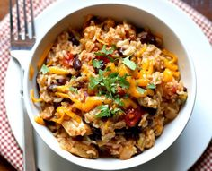 Instant Pot Chicken, Black Bean, and Rice Burrito Bowls. Easy to Make. Pressure Cooker Chicken, Instant Pot Pressure Cooker, Pressure Cooker Recipes, Pressure Cooking, Pressure Pot, Chicken Cooker, Chicken Burrito Bowl, Chicken Burritos, Burrito Bowls