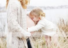 Love the kissing belly pics Pregnancy Belly Pictures, Baby Bump Photos, Newborn Photos, Baby Pictures, Family Photos, Maternity Poses, Maternity Pictures, Love Photography, Maternity Photography
