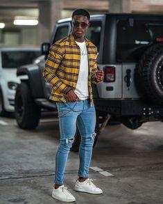 Apostar na corrente de metal presa na calça para um visual estilo anos 90. Vejam tudo sobre este acessório masculino no blog Marco da Moda - Foto: Audrey Lunda Men Looks, Stylish Men, Men Casual, Versace, Look Man, Streetwear Men, Fashion Inspiration, Winter Fashion, Street Wear