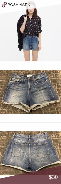 Madewell High Rise Denim Shorts Size 26 Madewell high rise shorts. Even with a cuff, they are a more conservative length, which I have always been happy with! Worn and washed several times. Quite wrinkly from storage, but no damage. Madewell Shorts Jean Shorts