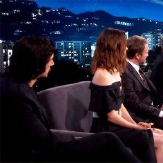How she looks at him. So sweet♥️ Reylo, Kylo Rey, Kylo Ren And Rey, Star Wars Cast, Rey Star Wars, Star Wars Ships, Star War 3, The Force Is Strong, Adam Driver
