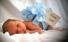 Such an adorable idea for a newborn baby picture