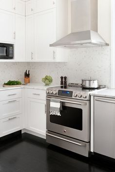 Slide in or Freestanding Ranges are the most popular for most kitchen designs. Make sure to decide which style you prefer and the features you need. Stainless steel is traditional and works with most color palettes.